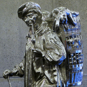 photo of travelling peddler sculpture